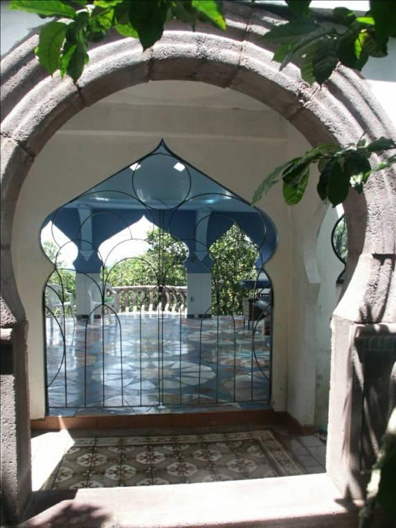 The Taj, archway