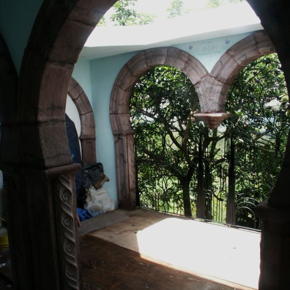 faux Cantera arches in colored concrete